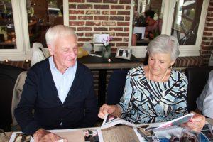 Levensverhaal wordt aandacht gelezen tijdens jubileum feest